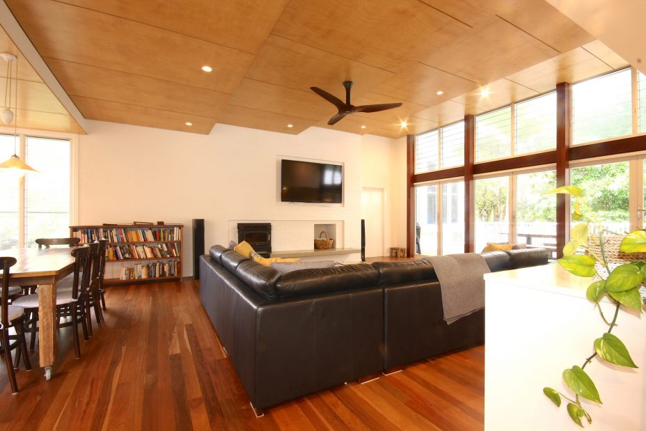 Cavvanbah Seaside Cottage Byron Bay Living