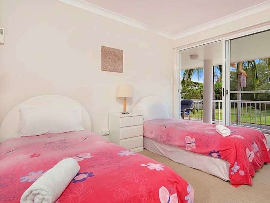 accommodation close to byron bay