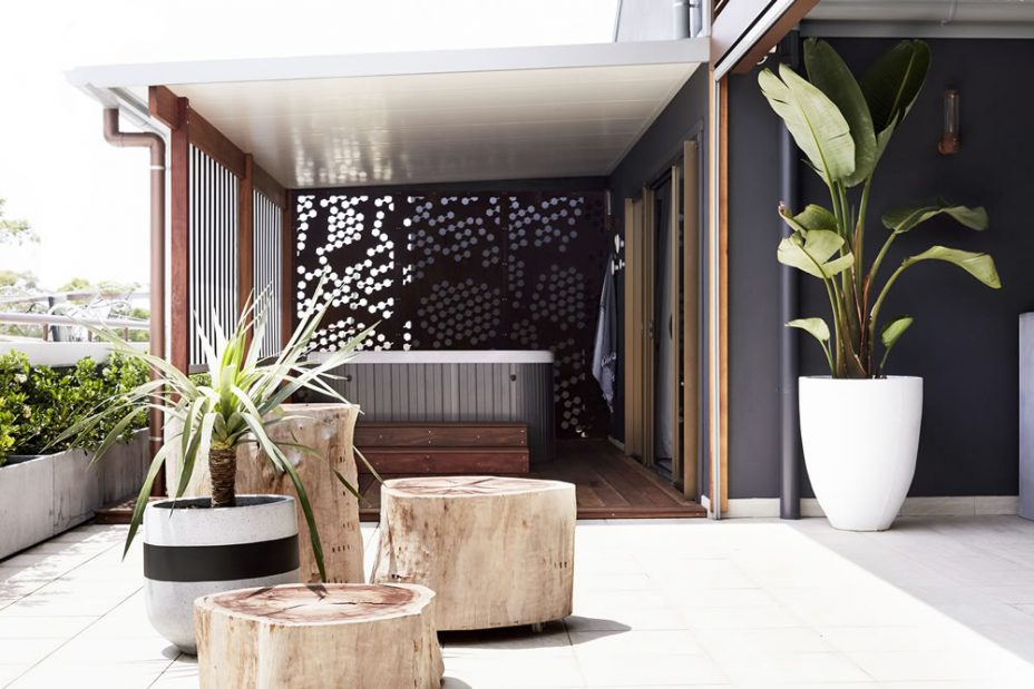 Rooftop Byron balcony spa