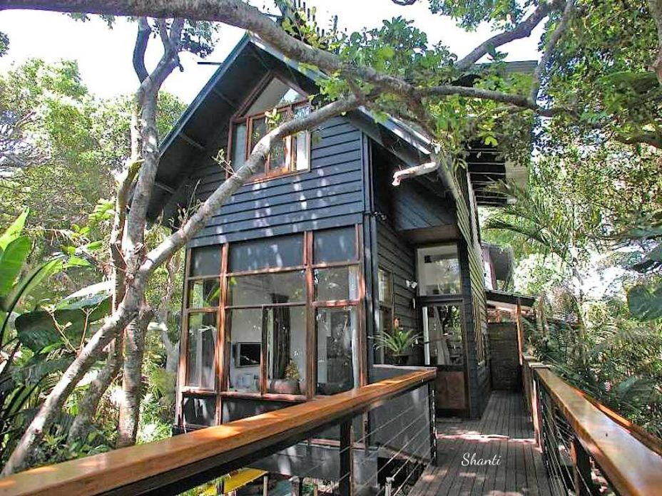 byron bay treehouse